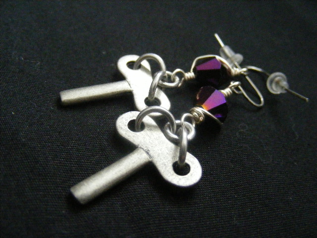 turn key earrings
