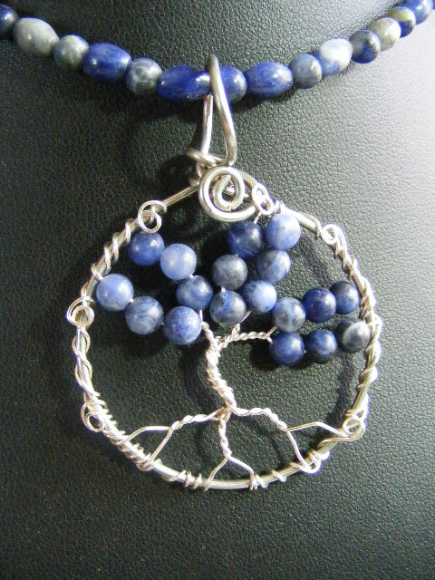 Sodalite and silver round leaf tree in circle