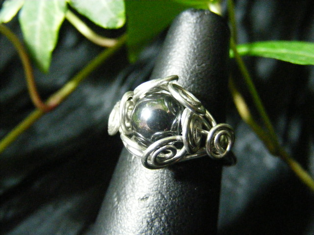 Spiral Nest Ring in hematite and silver