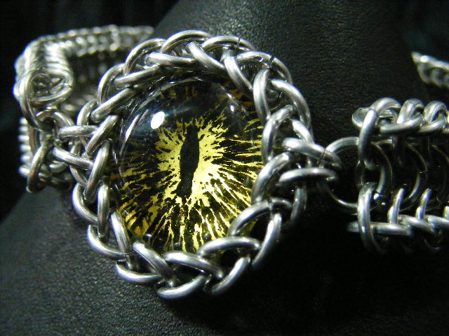 Yellow ice and black dragon eye in aluminum maille bracelet 1