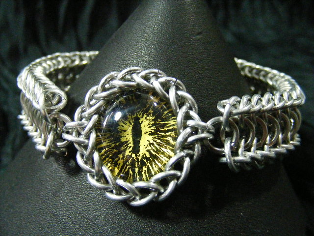 Yellow ice and black dragon eye in aluminum maille bracelet 3