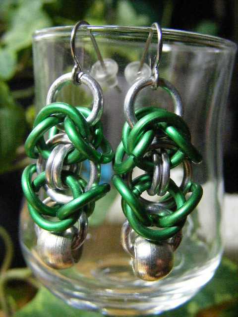 byzantine earrings with silver bead green