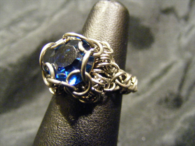 chainmail chaton dark blue ring