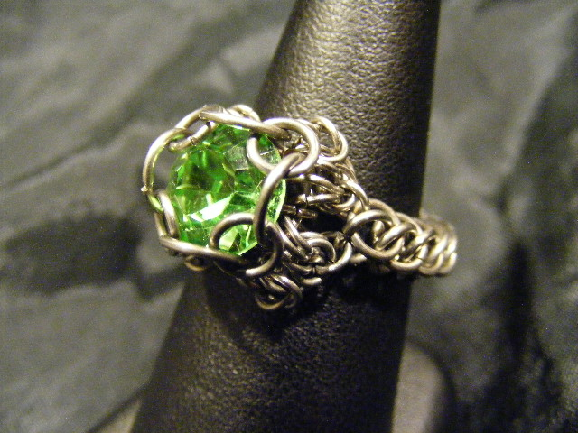chainmail chaton light green ring
