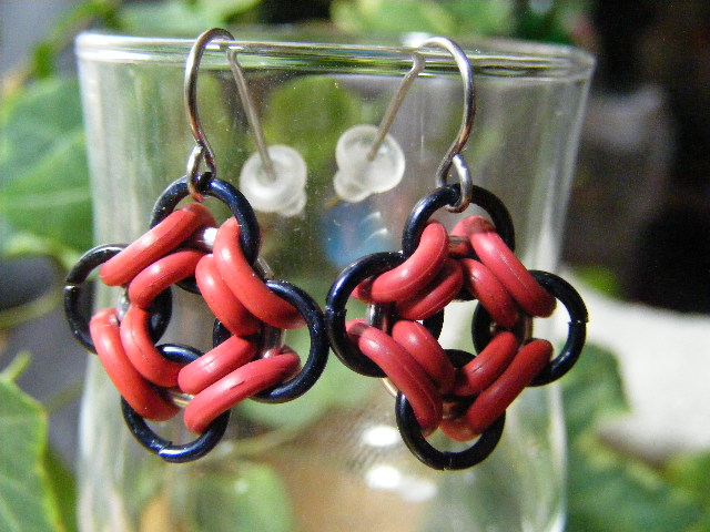 ojo de dios earrings red