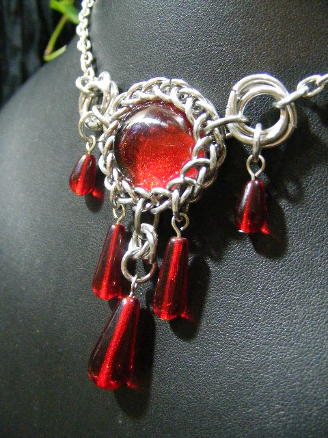 persian bauble necklace in red